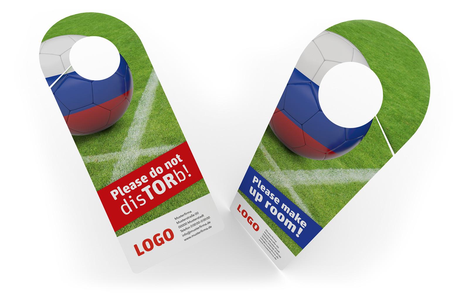 Fußball Spielplan WM 2018 Türanhänger mit lustigen Fußballsprüchen für das ungestörte Private-Viewing.